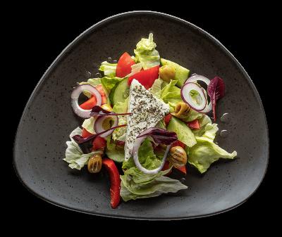 Грецький салат з фетою та маслинами каламата